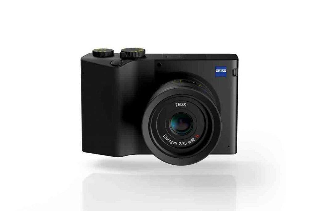 Zeiss ZX1mirroless sensore full-frame 37,4 MP CMOS