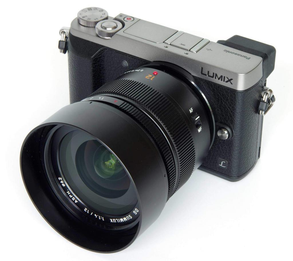 Lumix 12mm f1.4 DG Summilux 1 22