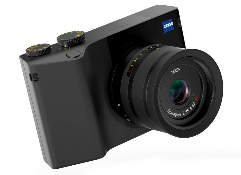 Zeiss ZX1mirroless full frame ad ottica fissa 48515852